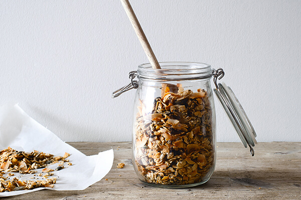 5 step crunchy pecan, coconut & chia granola